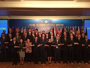 EU supports ASEAN role in forming regional structure in East Asia
