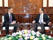 President receives outgoing Finnish, Greek ambassadors