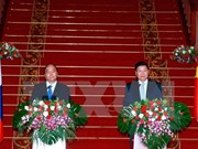 Lao PM urges joint efforts to deepen Vietnam-Laos ties