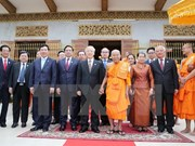 Party chief visits Cambodia's top Buddhist monks in Phnom Penh