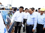 PM visits Cai Mep int'l port in Ba Ria - Vung Tau