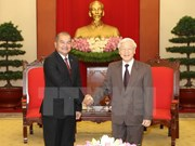 Vietnam, Laos strengthen coordination to promote renovation