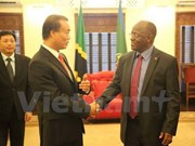 Tanzanian President pledges support for Vietnamese investors