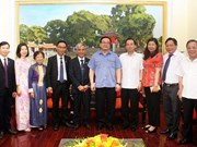 Hanoi Party official receives Baha'i community