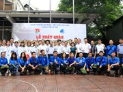 Young Hanoians engage in voluntary work in Vientiane