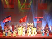 Art performance praises Vietnam-Laos-Cambodia friendship