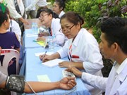 Vietnamese-Cambodian doctors support poor community