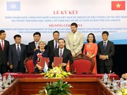 Vietnam, UNESCO jointly establish maths, physics centres