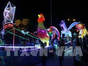 Tuyen Quang lit up with lanterns on city festival kick-off