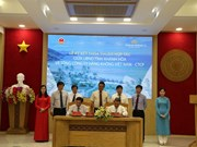 VNA, Khanh Hoa sign agreement on tourism development