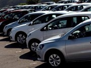 Singapore limits increase of private vehicles