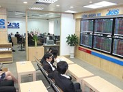 Shares rise again, caution lingers