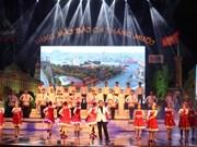 Art exchange marks 100th anniversary of Russian October Revolution