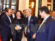 Government leader hosts Asia-Pacific investors