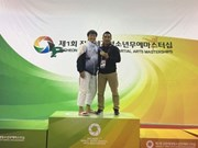Vietnamese kurash artist wins gold at world event