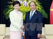 PM Nguyen Xuan Phuc greets Hong Kong chief