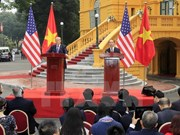 Vietnamese, US Presidents chair press conference