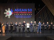 ASEAN Summit opens in Philippines