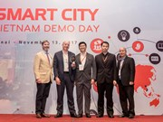 Teams pitch smart cities solutions for Vietnam