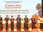Vietnam Local Specialties Fair 2017 opens