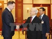 Party chief Nguyen Phu Trong receives Polish President