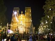 People nationwide celebrate Christmas
