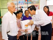 Revolution contributors to receive Tet gifts