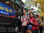 Poor students gifted bus tickets to return home for Tet