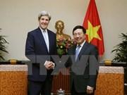 Deputy PM Pham Binh Minh receives John Kerry
