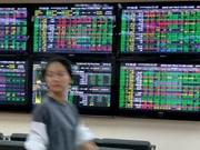 Finance stocks push the VN-Index upwards