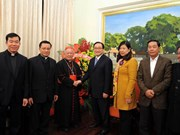 Hanoi Archdiocese leader extends Tet greetings to city Party Committee