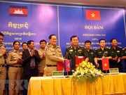 Cambodian army delegation pays pre-Tet visit to Bac Lieu