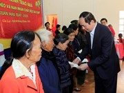 President visits Gia Lai province ahead of Tet