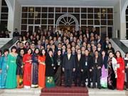 PM meets Overseas Vietnamese joining Homeland Spring programme