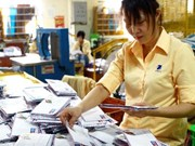 Tet keeps post office, delivery firms busy