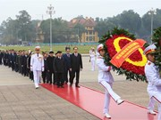 Leaders pay tribute to President Ho Chi Minh ahead of Tet