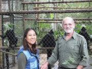 Amazing family saves primates