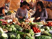 Ministry works to stabilise market following Tet