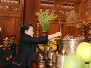 NA Chairwoman offers incense to late President Ho Chi Minh