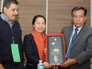 Vietnam attends education union congress in Mexico