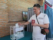 Russian citizens in Nha Trang city vote in Presidential election