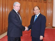PM Nguyen Xuan Phuc wants bigger trade value with Belarus
