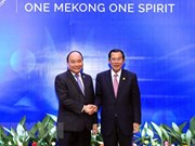 Vietnamese, Cambodian PMs meet on sidelines of MRC Summit