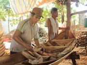 Boat making village seeks to preserve tradition