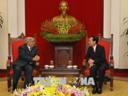 French Communist Party delegation visits Vietnam