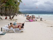 Philippines temporarily closes tourist destination Boracay