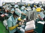 RoK investors get investment licenses in Vinh Phuc province