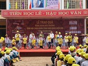 Charity programme supports poor students in Ninh Binh