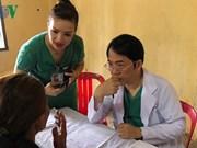 Overseas Vietnamese doctors in Cambodia help poor locals