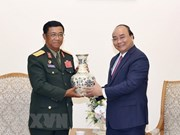 Gov't leader meets with chief of Lao army's general staff